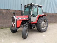 trattore agricolo Massey Ferguson 675
