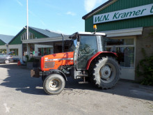 landbouwtractor Massey Ferguson 4235