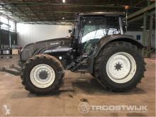 trattore agricolo Valtra T203