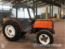 tracteur agricole Renault R8014F