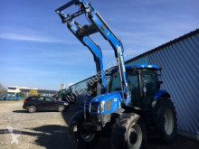 trattore agricolo New Holland T6140