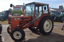 tractor agricol Renault 651