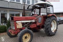 tracteur agricole Case 844