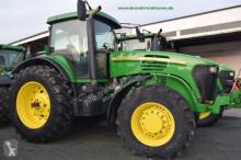landbouwtractor John Deere 7820