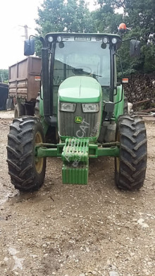 trattore agricolo John Deere 5085M