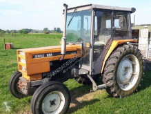 tracteur agricole Renault 651