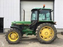 tracteur agricole John Deere 2250