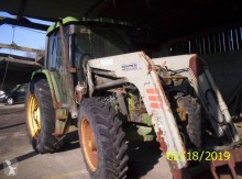 trattore agricolo John Deere 6300