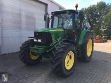 tracteur agricole John Deere 6220 SE