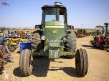 tracteur agricole John Deere 4240