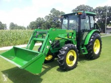 tracteur agricole John Deere 5520