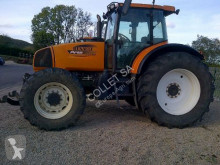 tractor agricol Renault 836