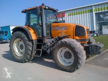 trattore agricolo Renault 720