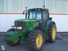trattore agricolo John Deere 6620