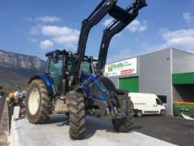 tracteur agricole Valtra