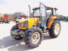 zemědělský traktor Renault