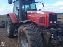 селскостопански трактор Massey Ferguson