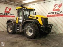zemědělský traktor JCB