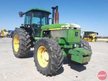 tracteur agricole John Deere - 4750