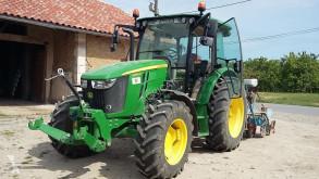 tracteur agricole John Deere 5090M