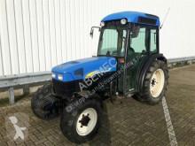 New Holland TN 95 农用拖拉机