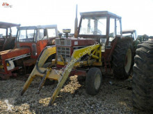 tracteur agricole International 956