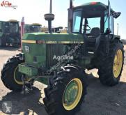 tracteur agricole John Deere 4040