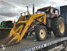 tracteur agricole International 724