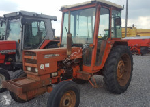 tractor agricol Renault 781