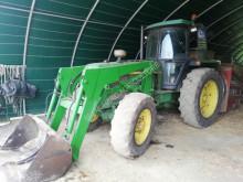 tracteur agricole John Deere 3040 4RM