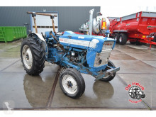 tractor agrícola Ford 3000