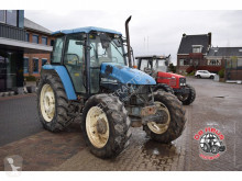 tracteur agricole New Holland TS90 4wd.