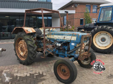 tracteur agricole Ford 4000