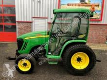 tracteur agricole John Deere 3520