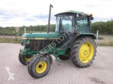 tracteur agricole John Deere TRAKTOR 2250