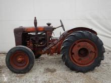 tracteur agricole Fiat 600