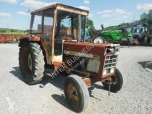 tracteur agricole International 644