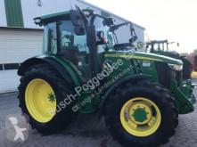 zemědělský traktor John Deere 5125R (MY17)
