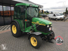 zemědělský traktor John Deere 4400 4wd.