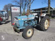 tracteur agricole Ford 3055