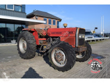 tracteur agricole Massey Ferguson 365 4wd.
