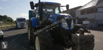New Holland T7.200 AUTO COMMAND farm tractor
