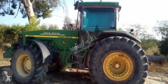 tracteur agricole John Deere 8300