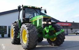 tracteur agricole John Deere 6800