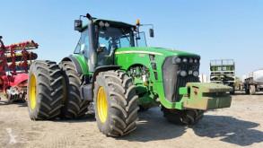 zemědělský traktor John Deere 8430