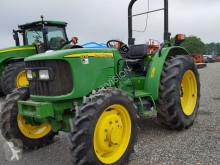 ciągnik rolniczy John Deere 5215