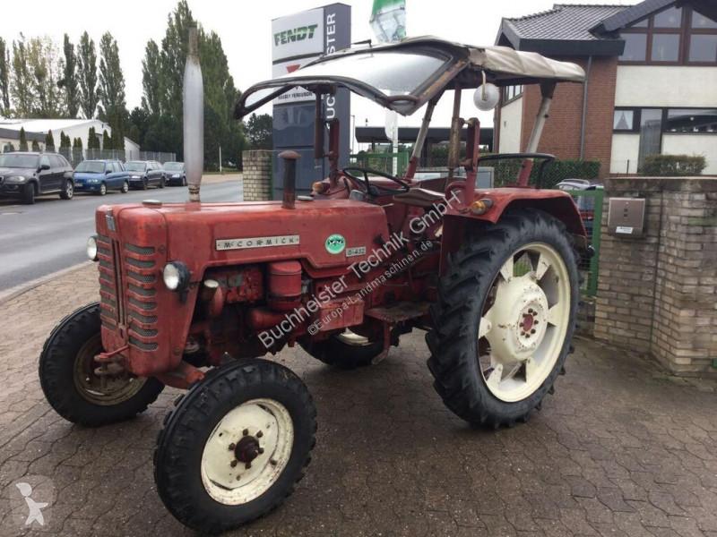 Voir les photos Tracteur agricole Mc Cormick MCCORMICK - D432