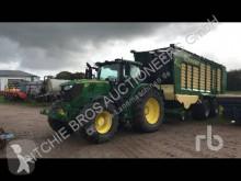 tractor agricol John Deere 6215R
