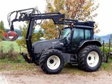 Valtra Schlepper / Traktor T130