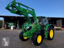 zemědělský traktor John Deere 6120M